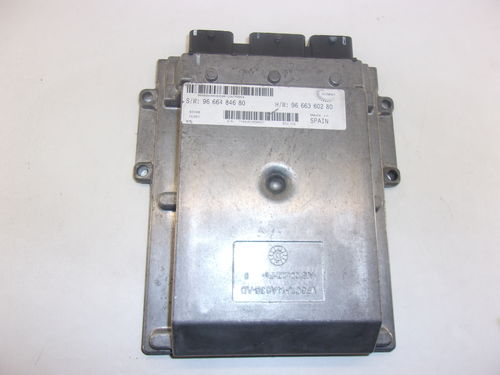 CALCULATEUR MOTEUR PEUGEOT / CITROEN / FIAT REF:9666484680 / 9666360280