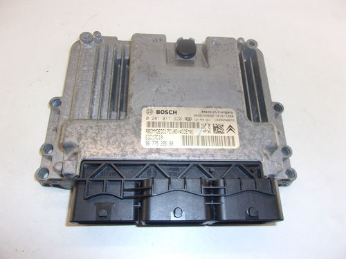 CALCULATEUR MOTEUR PEUGEOT / CITROEN REF:0281017920 / 9677529580